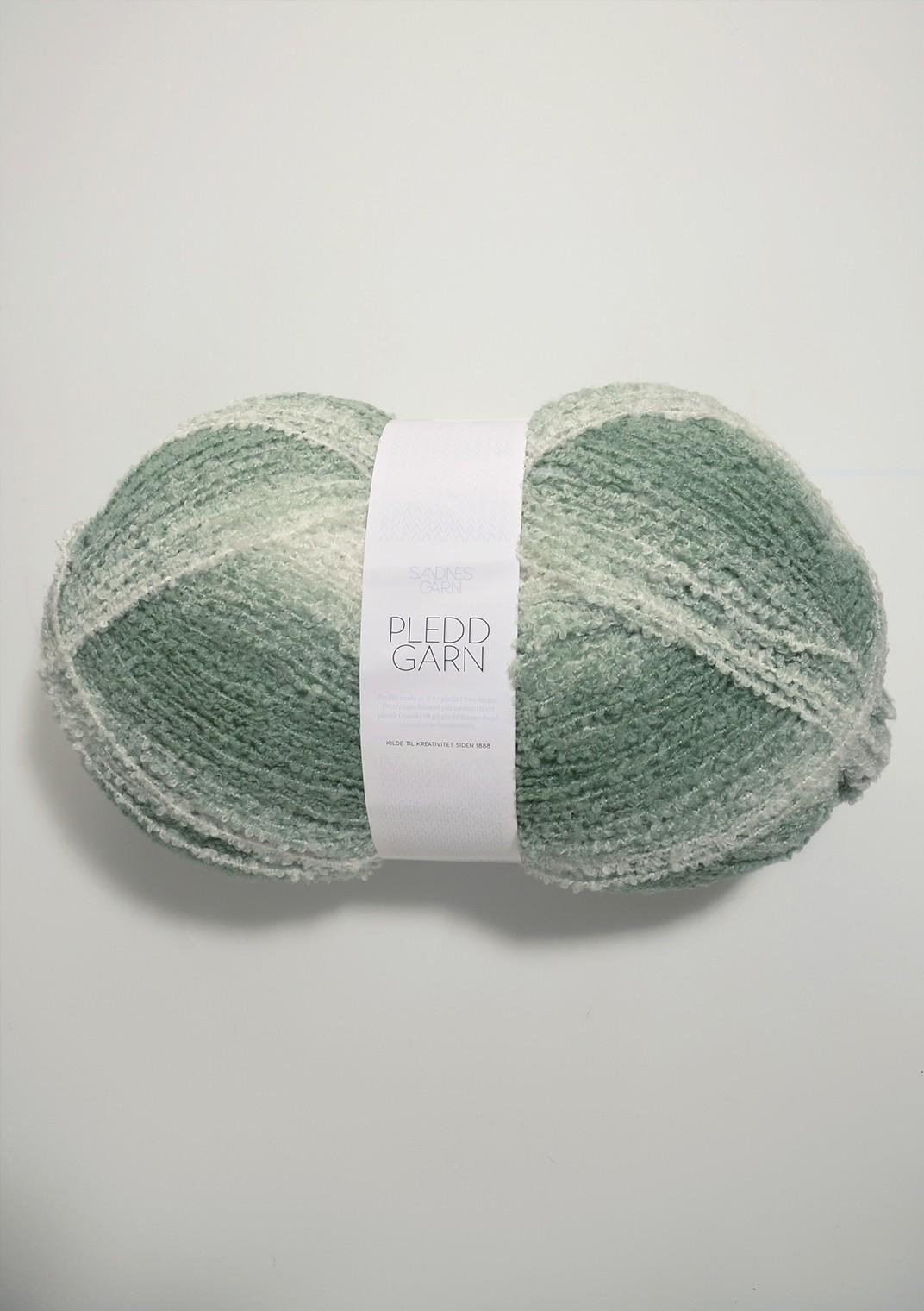 7000 Støvet Grønn/hvit